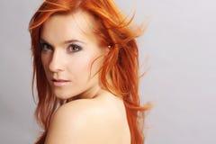 纵向红头发人妇女 库存照片