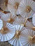 纸伞白色 免版税库存照片
