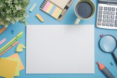 纸大模型模板和学校文具 盖子设计 免版税库存图片