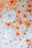 纸折叠的花背景  免版税库存图片