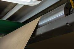 纸板制造业分层堆积的路辗滚动工业Industr 图库摄影