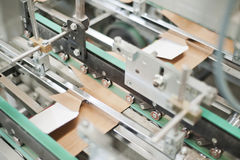 纸板包装的生产 图库摄影