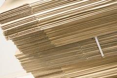 纸板板料特写镜头在白色背景的 免版税库存照片
