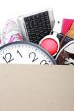 纸板箱。移动的天概念 免版税图库摄影