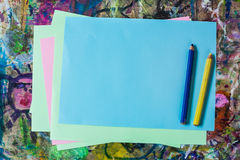 纸片和铅笔准备好画 图库摄影