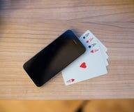 纸牌智能手机2 库存图片