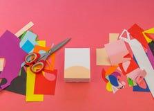 纸独角兽在桃红色背景的 库存照片