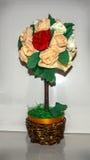 纸玫瑰花束  库存图片