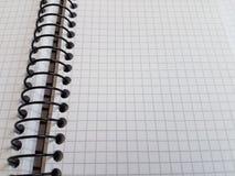 纸笔记本覆盖空的空白的被摆正的线螺旋办公室页 图库摄影