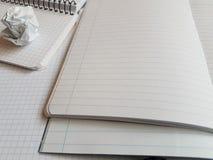 纸笔记本覆盖空的空白的被摆正的线螺旋办公室页 免版税图库摄影
