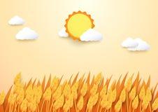 纸艺术样式大麦领域有太阳和云彩背景 免版税图库摄影