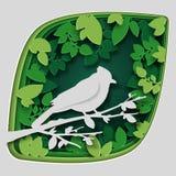 纸艺术雕刻对在树枝的鸟在森林里在夜、origami概念自然和动物想法,传染媒介艺术里和 免版税库存图片