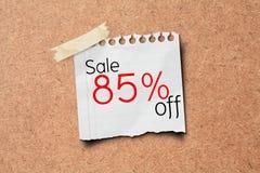 纸过帐促销销售额的85个董事会黄柏 免版税库存图片