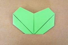 纸绿色心脏 库存图片