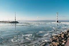 纹理冰表面,破裂冰漂浮 库存照片