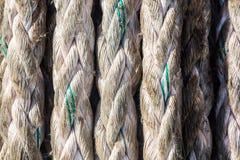纹理老使用的系泊缆 库存图片