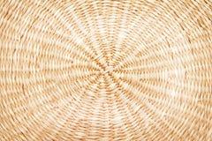 纹理被编织的圈子样式由干植物树干做了 免版税图库摄影