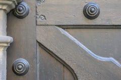 纹理,老木门从中世纪时代 免版税库存照片