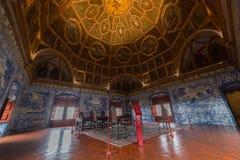 纹章霍尔,辛特拉全国宫殿  免版税库存图片