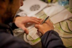 纹身花刺艺术家图画 免版税库存照片
