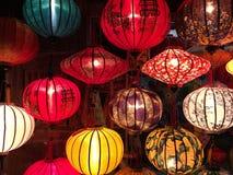 纺织品五颜六色的灯笼 免版税图库摄影