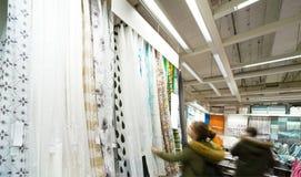 纺织品商店 免版税库存照片