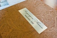 纺织品婚礼照片书 免版税库存照片