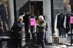 纺织品的50%销售在哥本哈根丹麦 免版税图库摄影