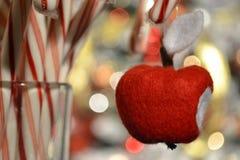 纺织品苹果,毛毡 免版税库存照片
