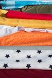 纺织品-多色的盘区 库存照片
