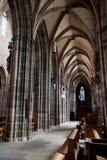 纽伦堡,德国- 6月20 :圣洛伦茨(圣劳伦斯)教会内部  库存照片
