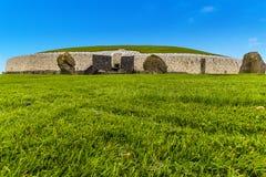 纽格莱奇墓,爱尔兰看法的关闭  库存照片
