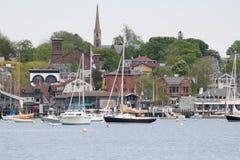 从纽波特港口,一个普遍的RhodeI海岛镇的一个看法 库存图片