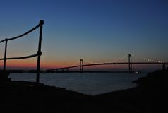 纽波特/Jamestown桥梁, RI 免版税图库摄影