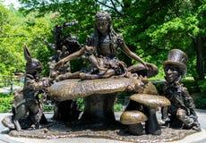 纽约中央公园阿丽斯在妙境 免版税库存照片