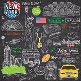 纽约乱画元素 手拉的集合与,出租汽车,咖啡,热狗,自由女神象,百老汇,音乐,咖啡,报纸, 向量例证