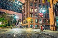 纽约在晚上,曼哈顿桥梁 库存图片