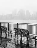 纽约地平线在一个雨天 库存图片