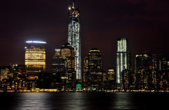 纽约地平线在晚上 图库摄影