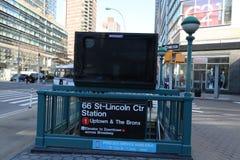 纽约地铁入口黑色广告时间 库存照片