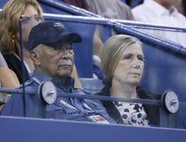 纽约大卫丁金斯的前市长出席比赛在罗杰・费德勒和阿德里安・曼纳里诺之间的美国公开赛2013年 库存图片