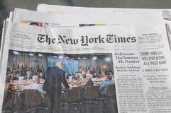 纽约时报周末花费了$6 00美国DOLARS 免版税库存照片