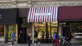 纽约理发店天外部建立的射击  影视素材