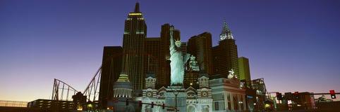 纽约纽约旅馆全景有自由女神像的在日出,拉斯维加斯, NV 库存照片