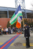 纽约警察局的仪仗队在超Michelob期间纽约13的开幕式的 1马拉松奔跑 免版税库存照片