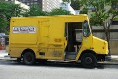 纽约邮报送货卡车 免版税库存图片