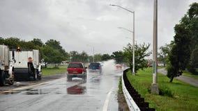 纽约雨汽车水坑飞溅声安全危险 库存照片