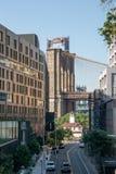 纽约,城市/美国- 2018年7月10日:1旅馆和布鲁克林大桥 免版税库存图片