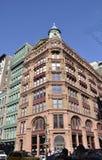 纽约,威严第3 :从曼哈顿的百老汇历史建筑在纽约 库存图片