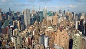 纽约,更低的曼哈顿鸟瞰图  Residental和财政企业大厦从上面 股票录像